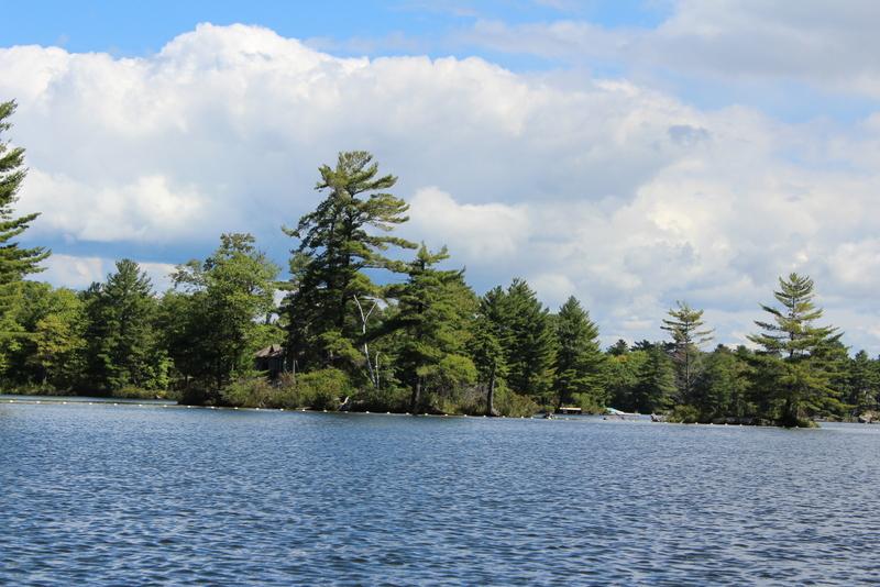 Six Mile Lake Eyalet Parkı