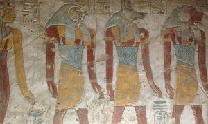 Luksor'da dünyanın en büyük açık hava müzesini gezerken