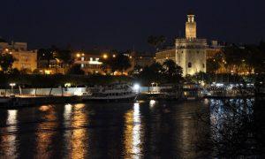 Endülüs'te Raks, Zil, Şal, Gül – Sevilla