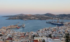 Her Kültürden Tat Almış Büyüleyici Ada; Siros (Syros)