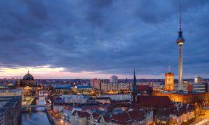 Berlin – Yıkılan Bir Utanç Duvarının Ardından
