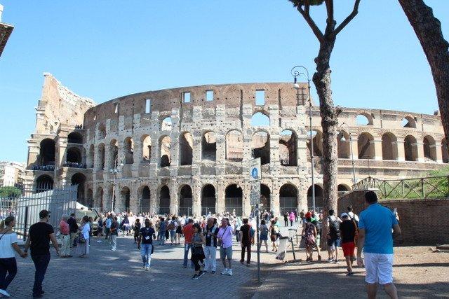 Roma Kolezyumu | Küçük Dünya Gezi Rehberi