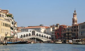 Kanallar, Gondollar, Festivaller Şehri Venedik