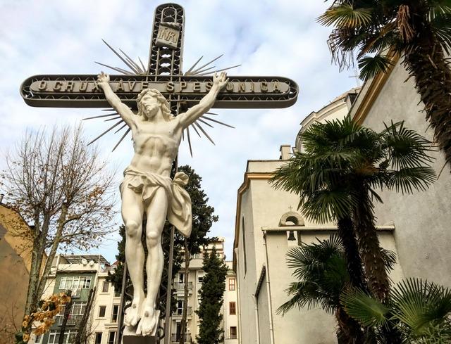 assumption-kilisesi-moda