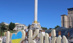Dinyeper Nehri'nin ışıltısında Kiev