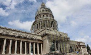 Devrim Ülkesi Küba